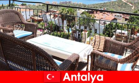 Η φιλοξενία στην Τουρκία επιβεβαιώνεται και πάλι από τους τουρίστες στην Αττάλεια