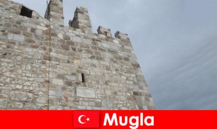 Ταξίδι περιπέτειας στις κατεστραμμένες πόλεις mugla στην Τουρκία