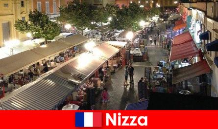 Νίκαια προσφέρει άνετα εστιατόρια και καλά παρακολούθησαν νυχτερινή ζωή για τους αλλοδαπούς