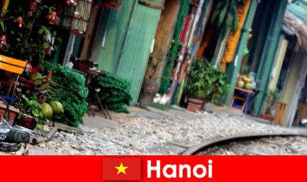 Το Ανόι είναι η συναρπαστική πρωτεύουσα του Βιετνάμ με στενά δρομάκια και τραμ