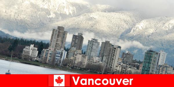 Η υπέροχη πόλη του Βανκούβερ μεταξύ ωκεανού και βουνών ανοίγει πολλές ευκαιρίες για αθλητικούς τουρίστες