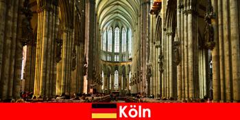 Προσκύνημα για αγνώστους στους τρεις αγίους βασιλιάδες στον καθεδρικό ναό της Κολωνίας