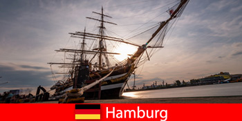 Γερμανία Κατεβείτε στο λιμάνι του Αμβούργου στην ψαραγορά για ταξιδιωτικούς γκουρμέ