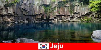 Εξωτικά ταξίδια μεγάλων αποστάσεων στο όμορφο ηφαιστειακό τοπίο του Jeju Της Νότιας Κορέας