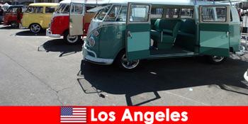 Αλλοδαποί νοικιάζουν φθηνά αυτοκίνητα στο Λος Άντζελες Ηνωμένες Πολιτείες για διερευνητικά ταξίδια