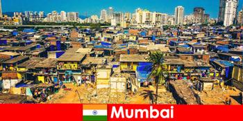 Στη Βομβάη της Ινδίας, οι ταξιδιώτες βιώνουν τις αντιθέσεις αυτής της υπέροχης πόλης