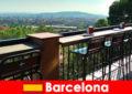 Καθαρό ταλέντο μεγάλης πόλης για τους επισκέπτες στη Βαρκελώνη της Ισπανίας με μπαρ, εστιατόρια και καλλιτεχνική σκηνή