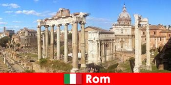 Περιηγήσεις με λεωφορείο για Ευρωπαίους επισκέπτες στις αρχαίες ανασκαφές και τα ερείπια στη Ρώμη Ιταλία